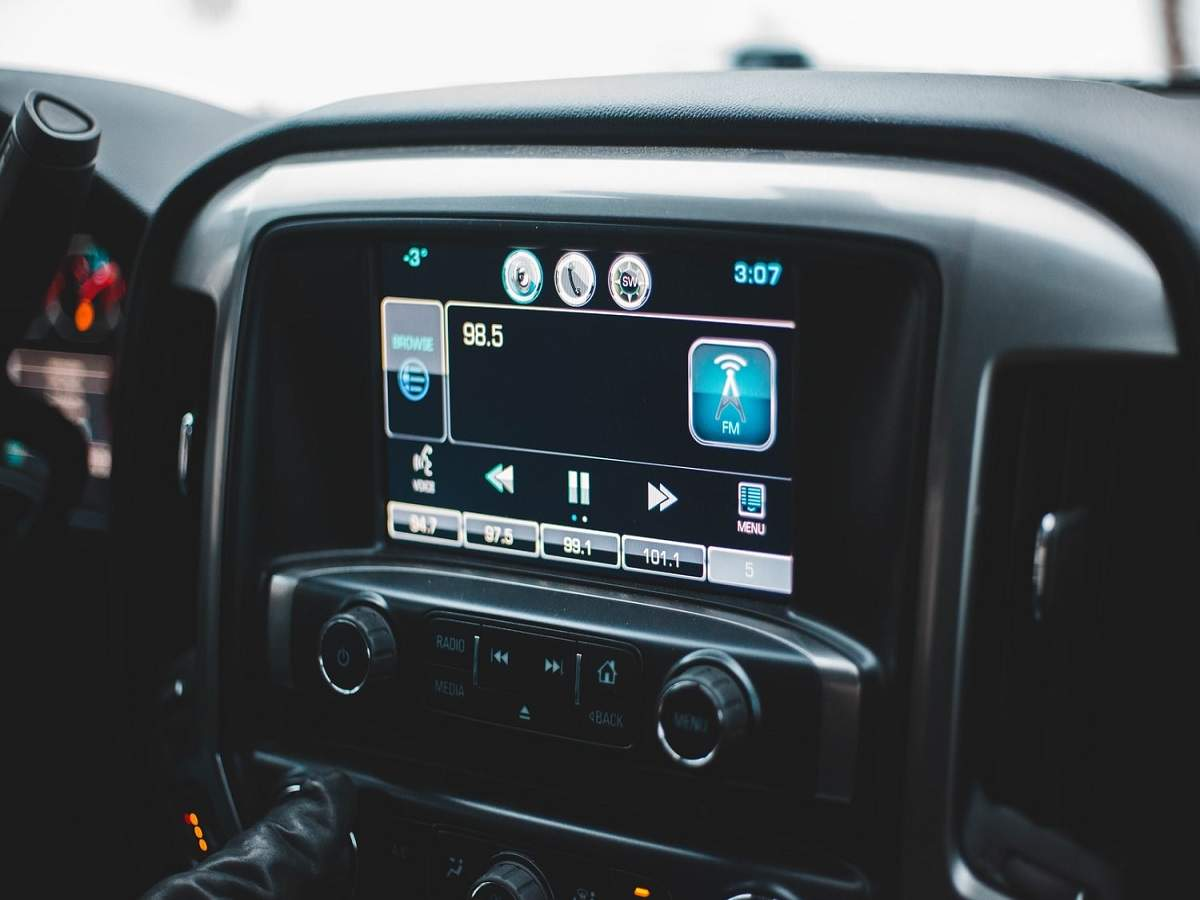 Touchscreen car stereos to bring symphony in your journey   Most ...