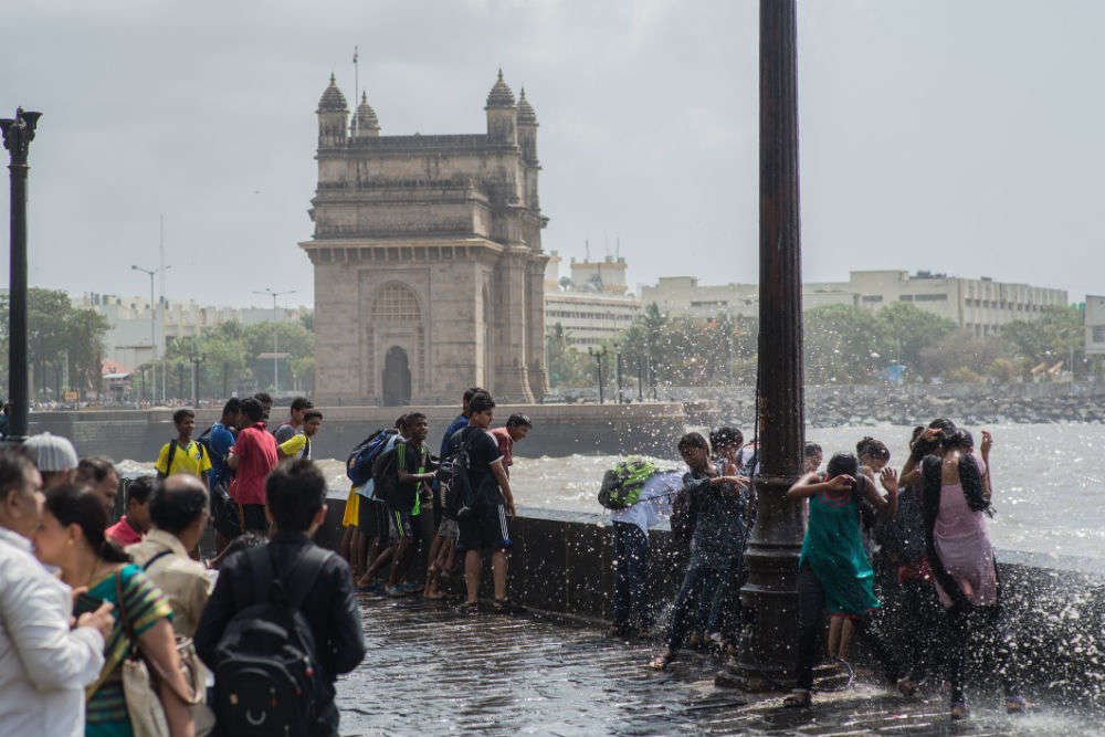 Hold you travel plans to Mumbai as red alert issued due to rains; heavy rain predicted in Kerala too