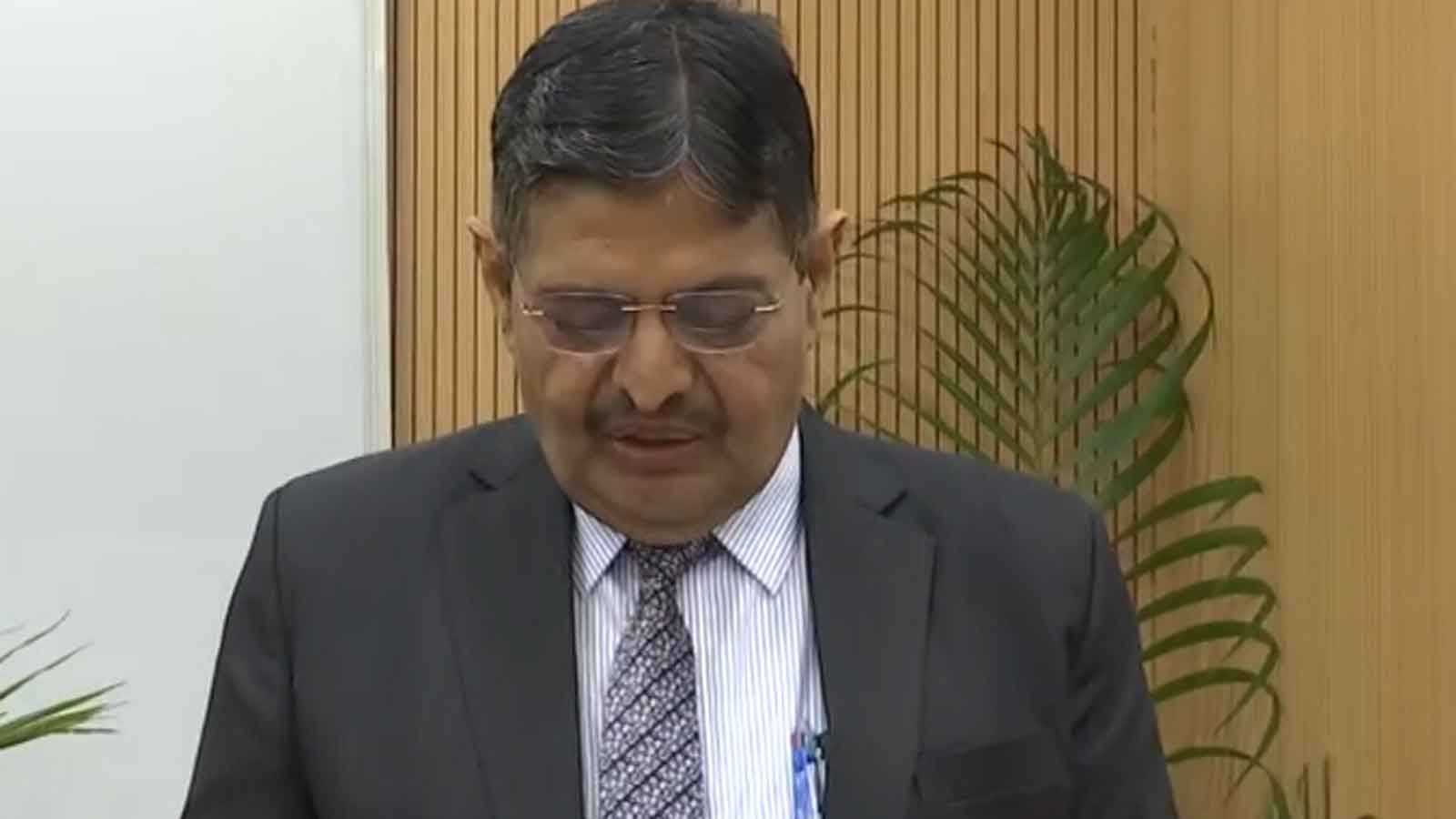 pradeep-kumar-joshi-takes-oath-as-upsc-chairman