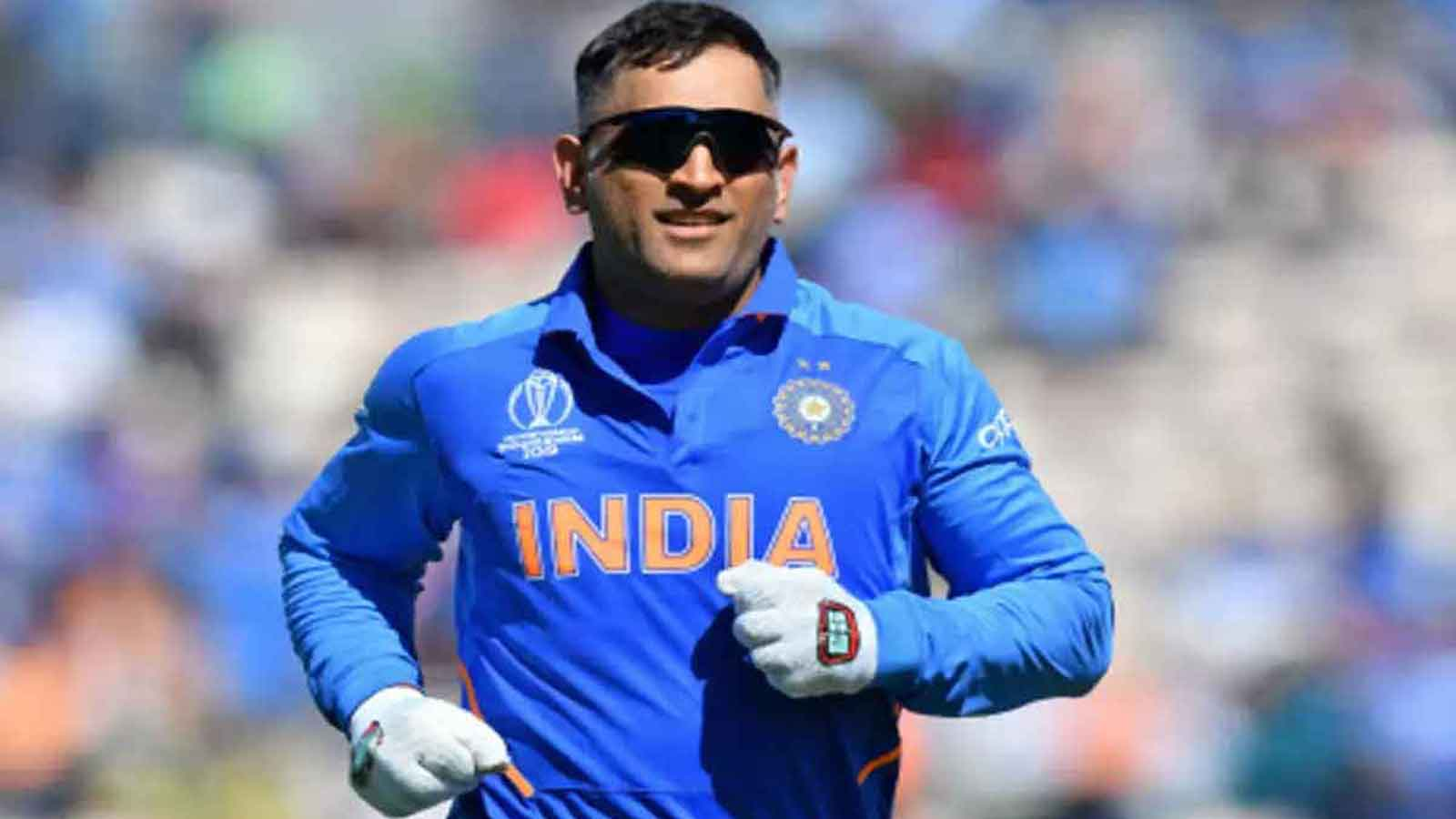 msd-retires-cricketers-celebs-pay-tribute-to-mahendra-singh-dhoni