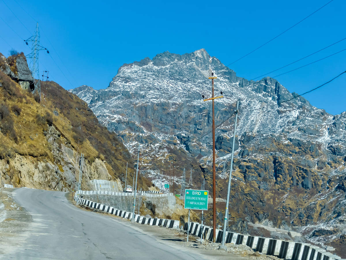 Blocked for two days due to landslides, Jammu-Srinagar National Highway is now clear for vehicular movement