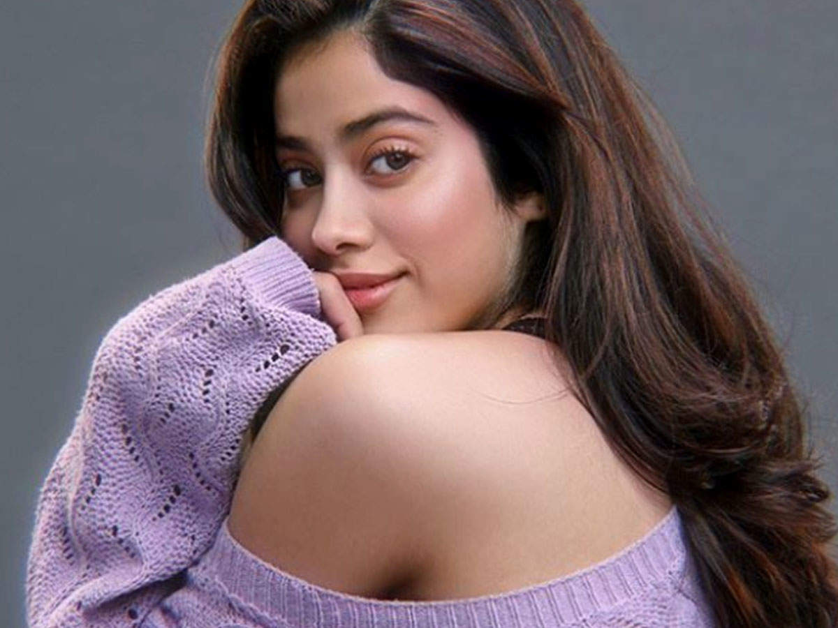 Is Janhvi Kapoor gearing up to make her Telugu film debut opposite THIS superstar? | Hindi Movie News - Times of India