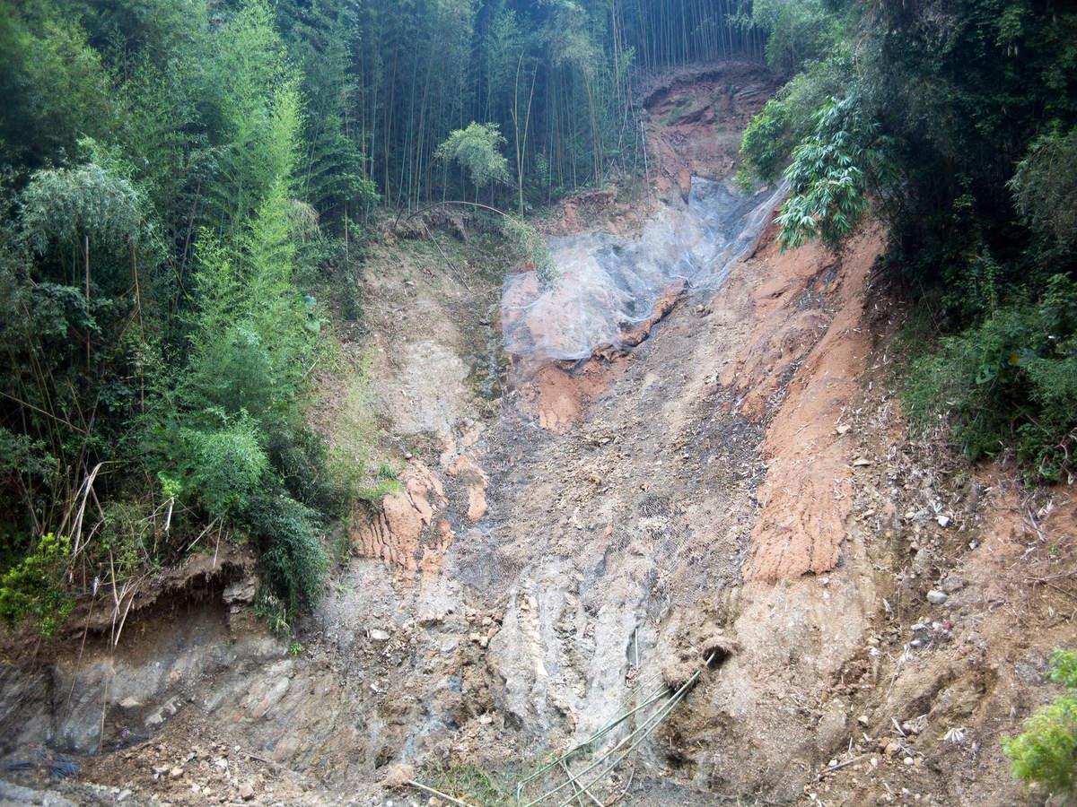 Chandigarh-Manali highway blocked due to landslides