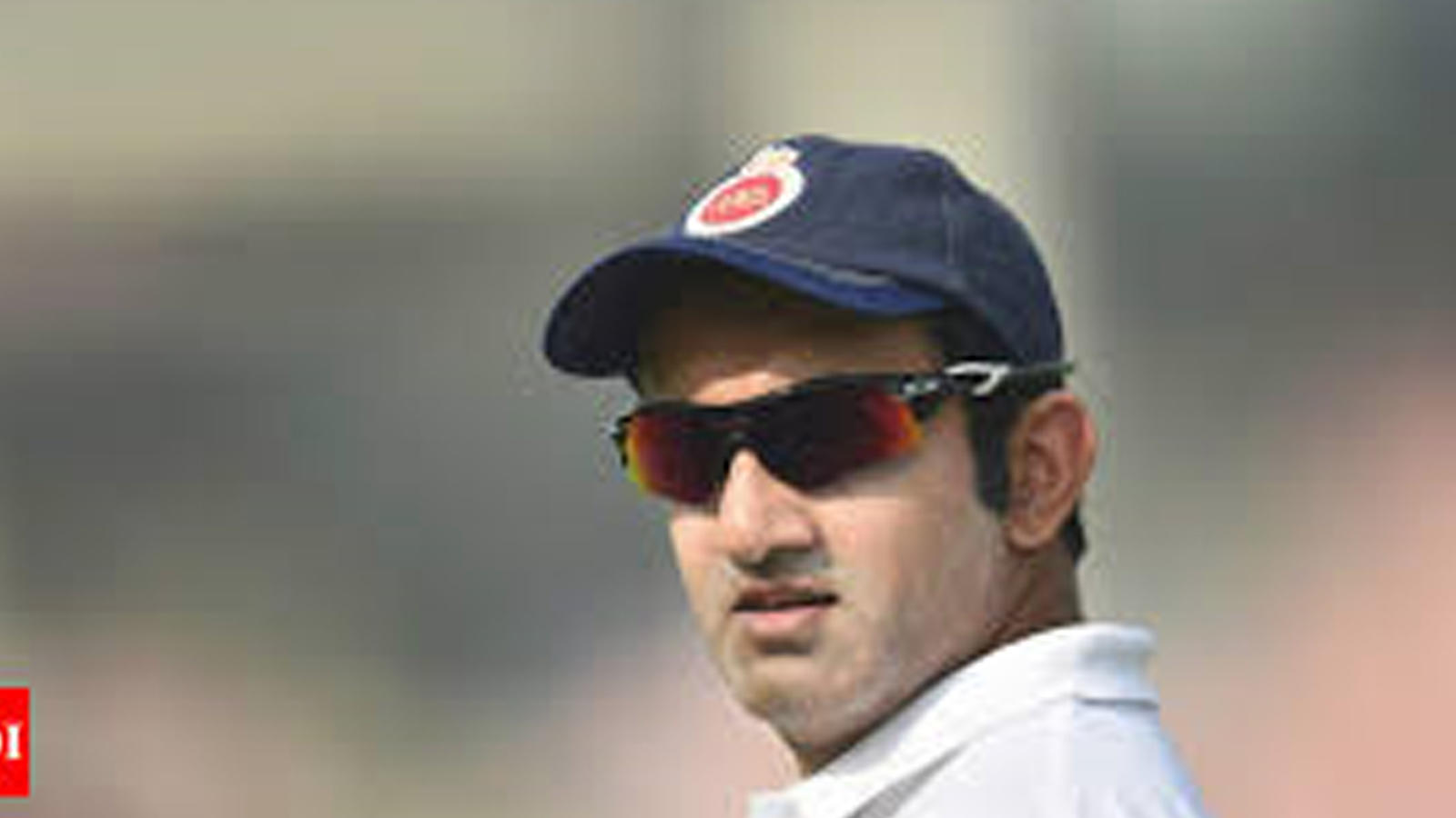 gautam-gambhir-slams-ms-dhoni-says-at-least-start-leading-from-the-front