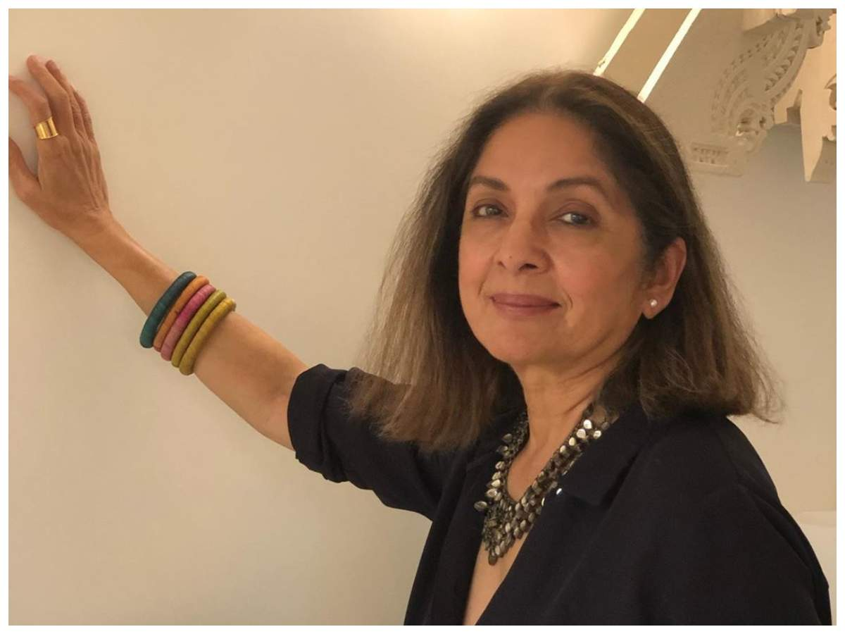 Neena Gupta dolls up for at-home photoshoot; her relatable caption wins  over the Internet | Hindi Movie News - Times of India