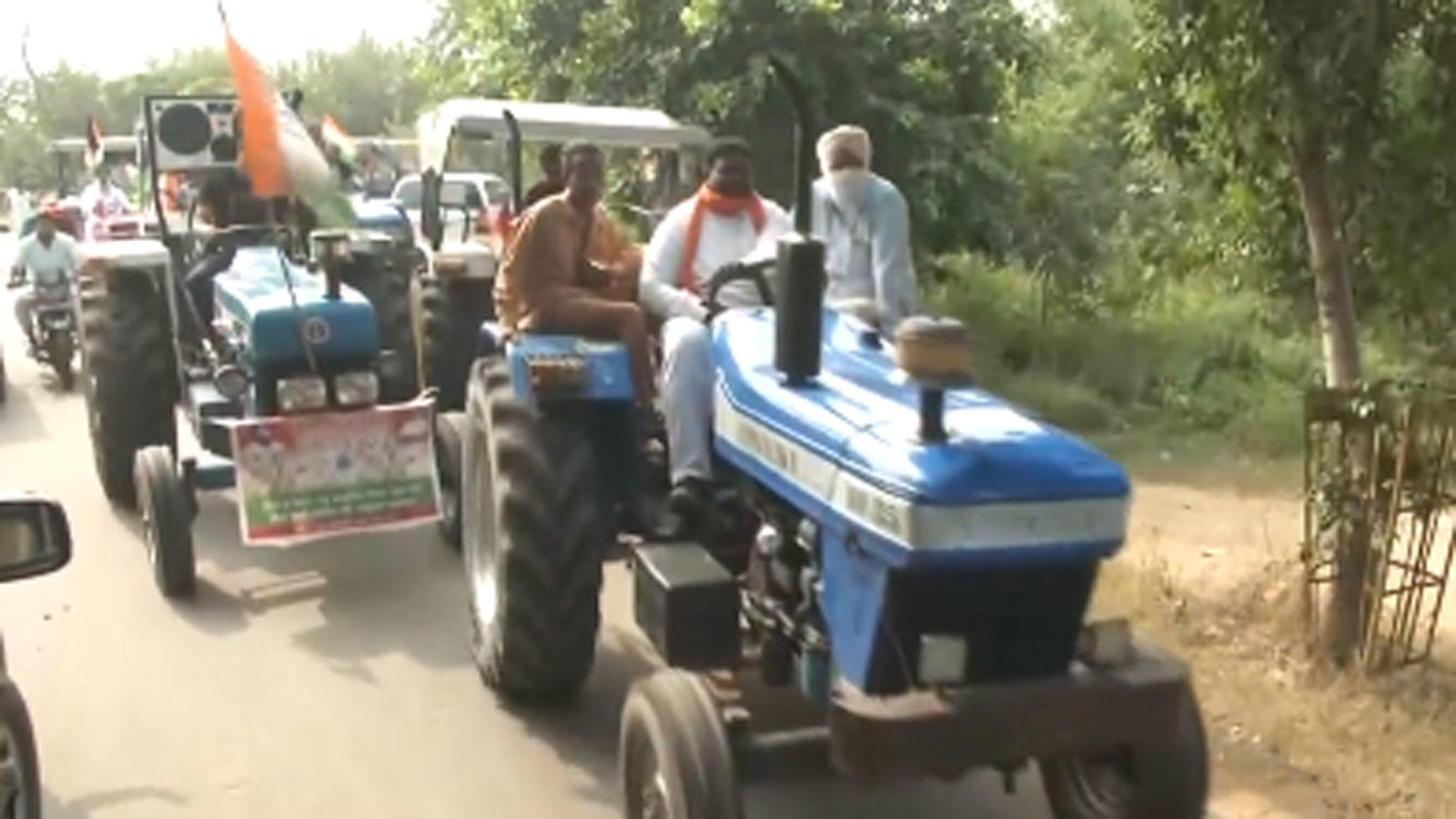 farm-bills-row-congress-workers-hold-tractor-rally-in-ludhiana