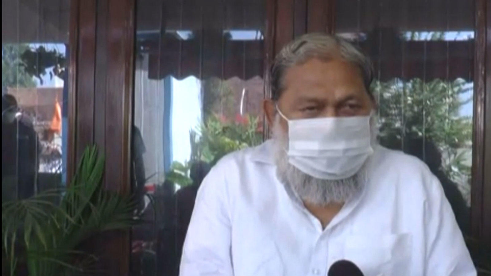 anil-vij-accuses-congress-for-creating-scene-by-burning-tractor-near-india-gate