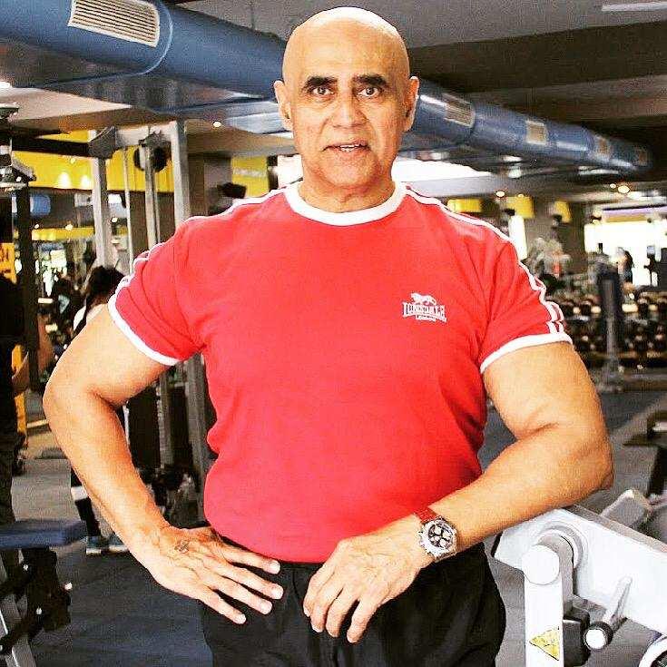 puneet-issar-turns-garage-into-a-gym