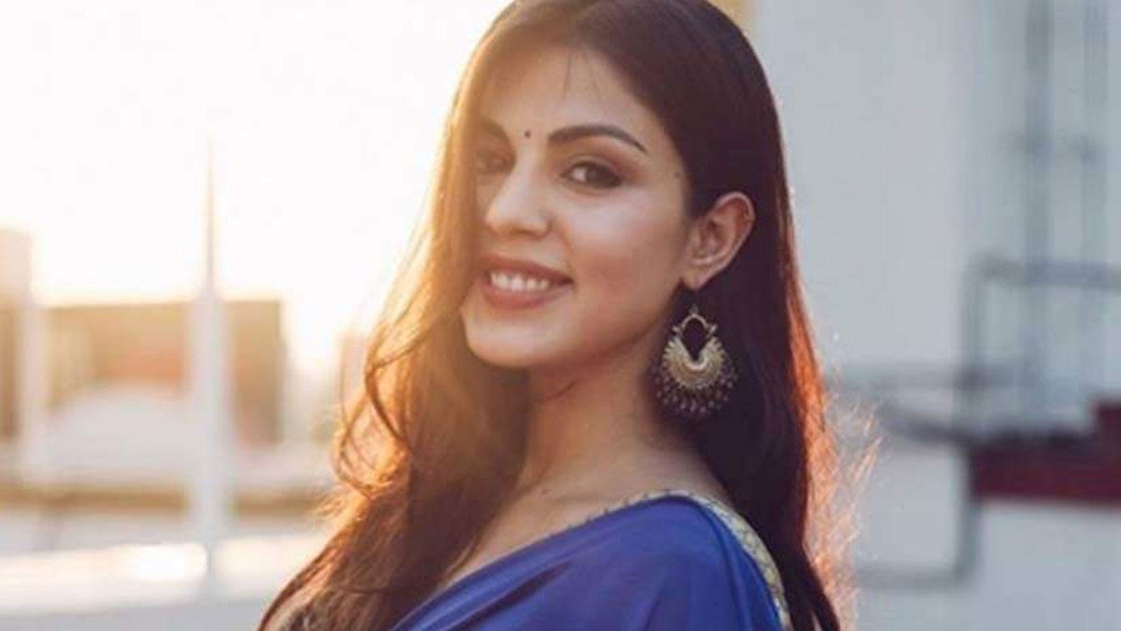 heres-how-netizens-reacted-after-reports-of-rhea-chakraborty-biopic-being-in-pipeline-went-viral