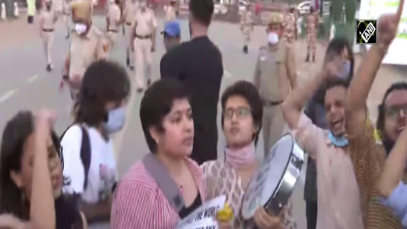 aisa-holds-protest-at-india-gate-over-hathras-gang-rape-case