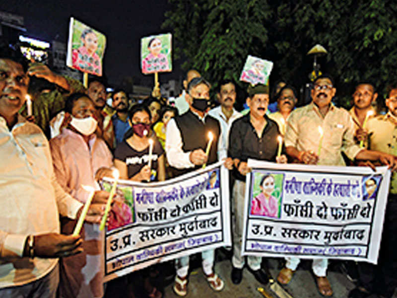 Bhopal sanitation workers stop work to protest UP horror | Bhopal News -  Times of India