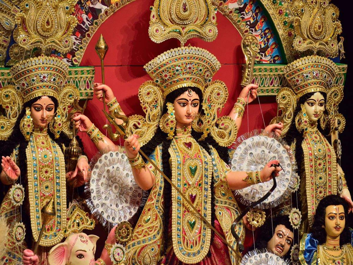 West Bengal: Durga Puja pandals declared no-entry zones for visitors, travellers and enthusiasts disappointed