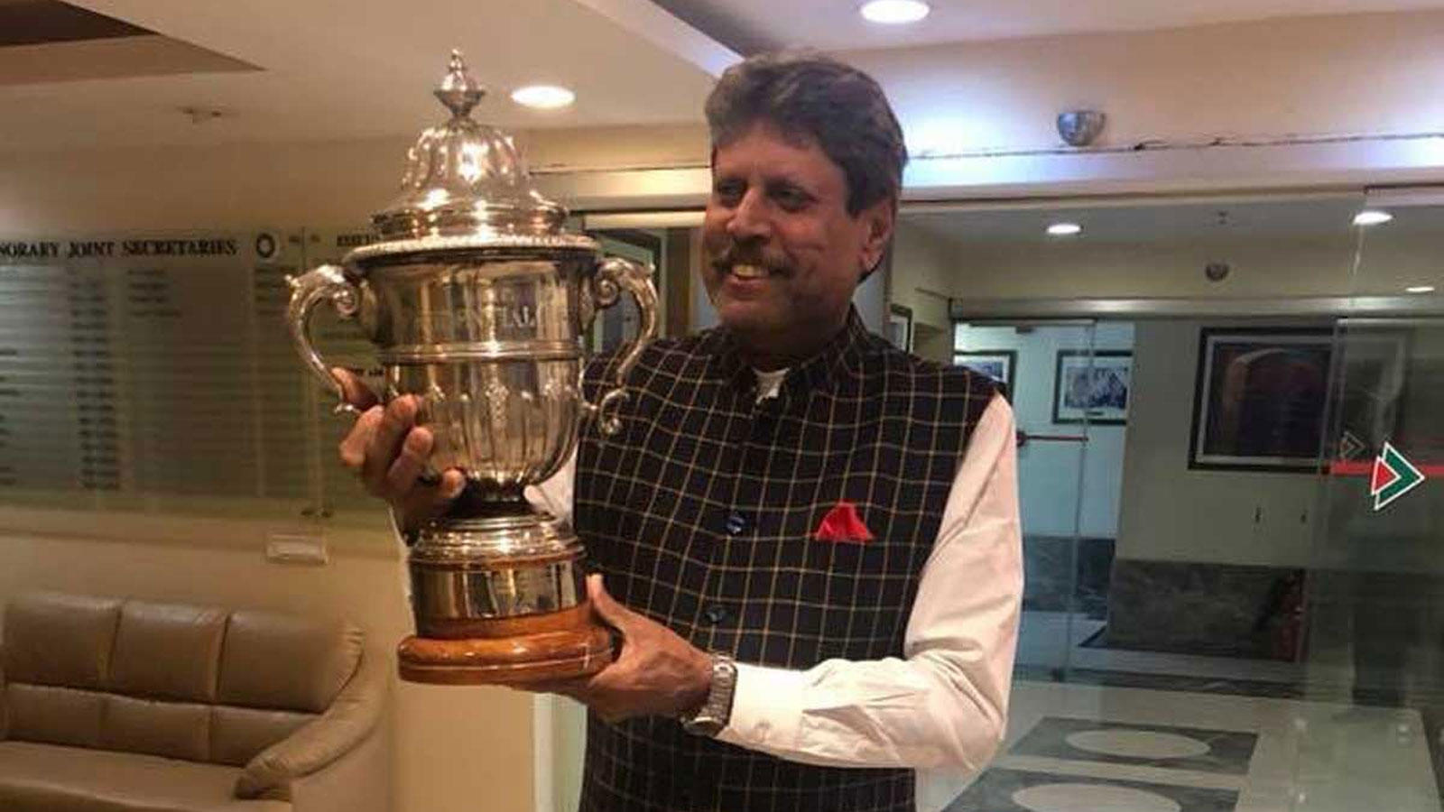 legendary-cricketer-kapil-dev-suffers-heart-attack-is-stable-now