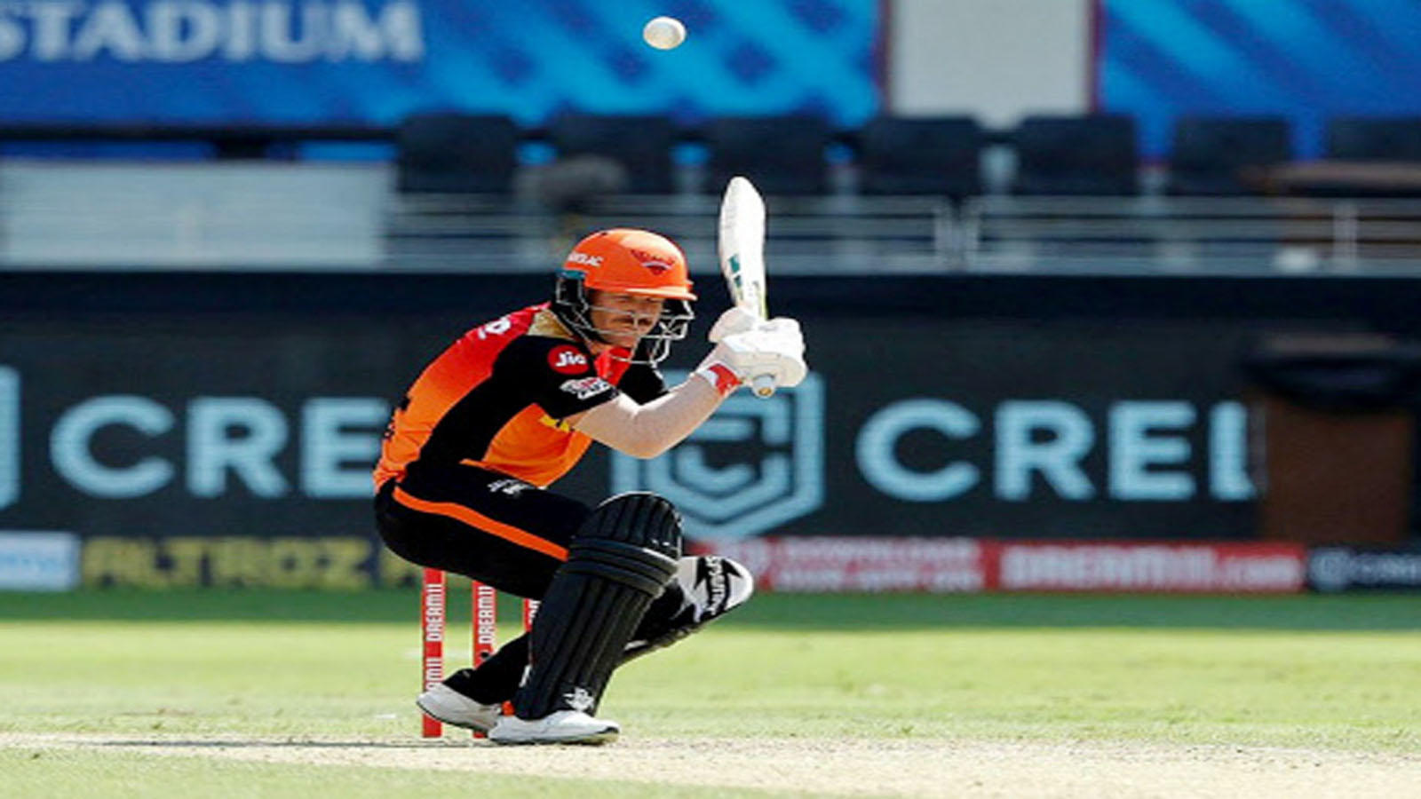 cant-do-much-tendulkar-on-warners-struggles-against-archer-in-ipl-2020