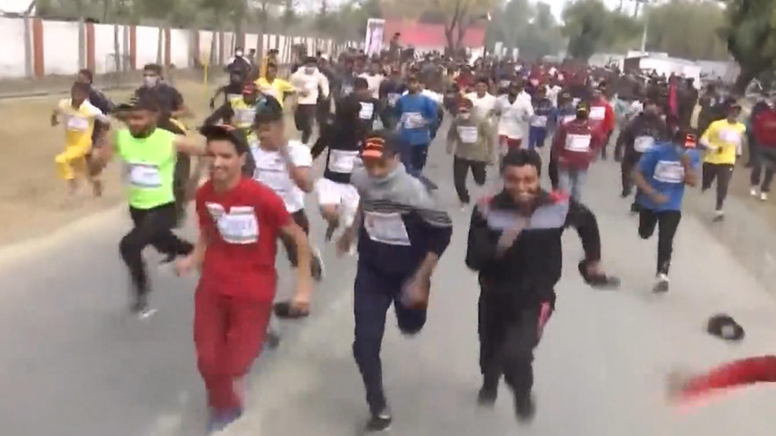 kashmiri-youth-participate-in-run-for-fun-and-walkathon-organised-by-army