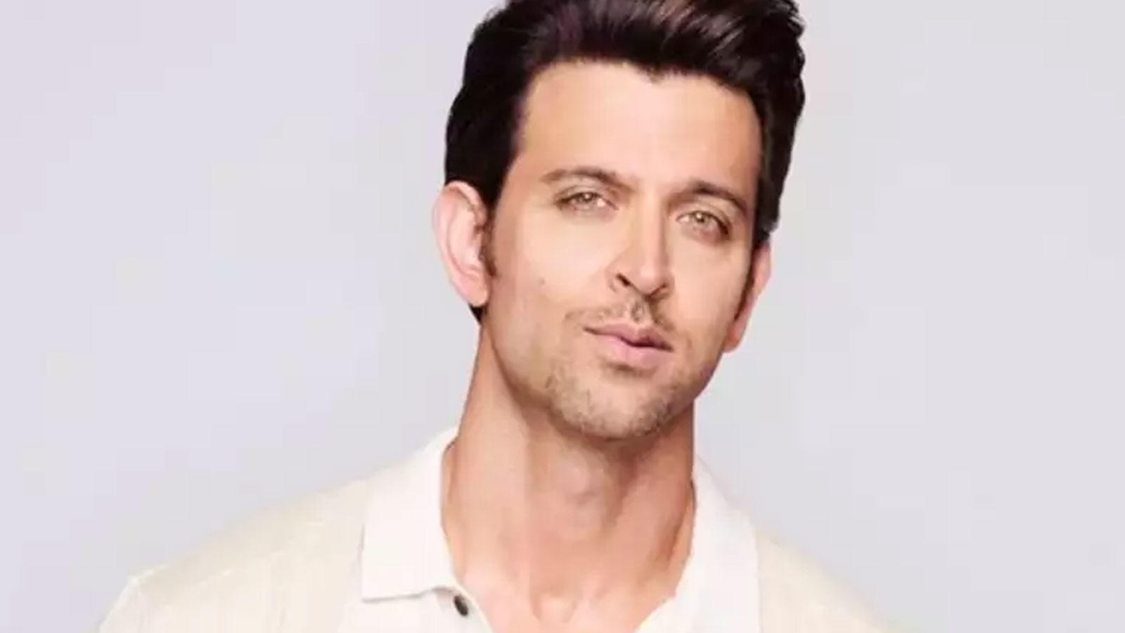 hrithik-roshan-buys-rs-97-50-crore-house-on-juhu-versova-link-road-details-inside