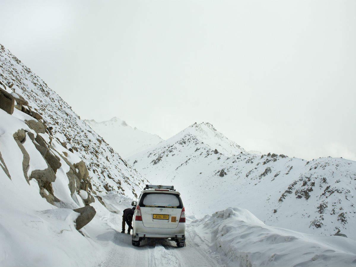 Keylong in Himachal Pradesh sees first snow of season; Manali-Leh highway closed