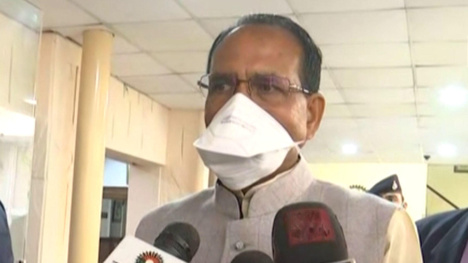 mp-cm-shivraj-chouhan-meets-pm-modi-discusses-covid-19-situation-and-particulars-of-vaccination
