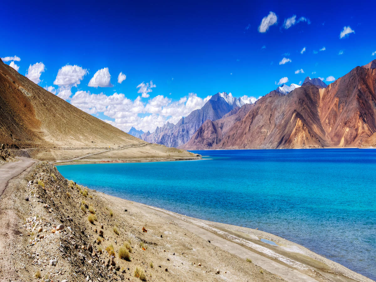 A handy guide on how to visit the famous Pangong Lake in Ladakh