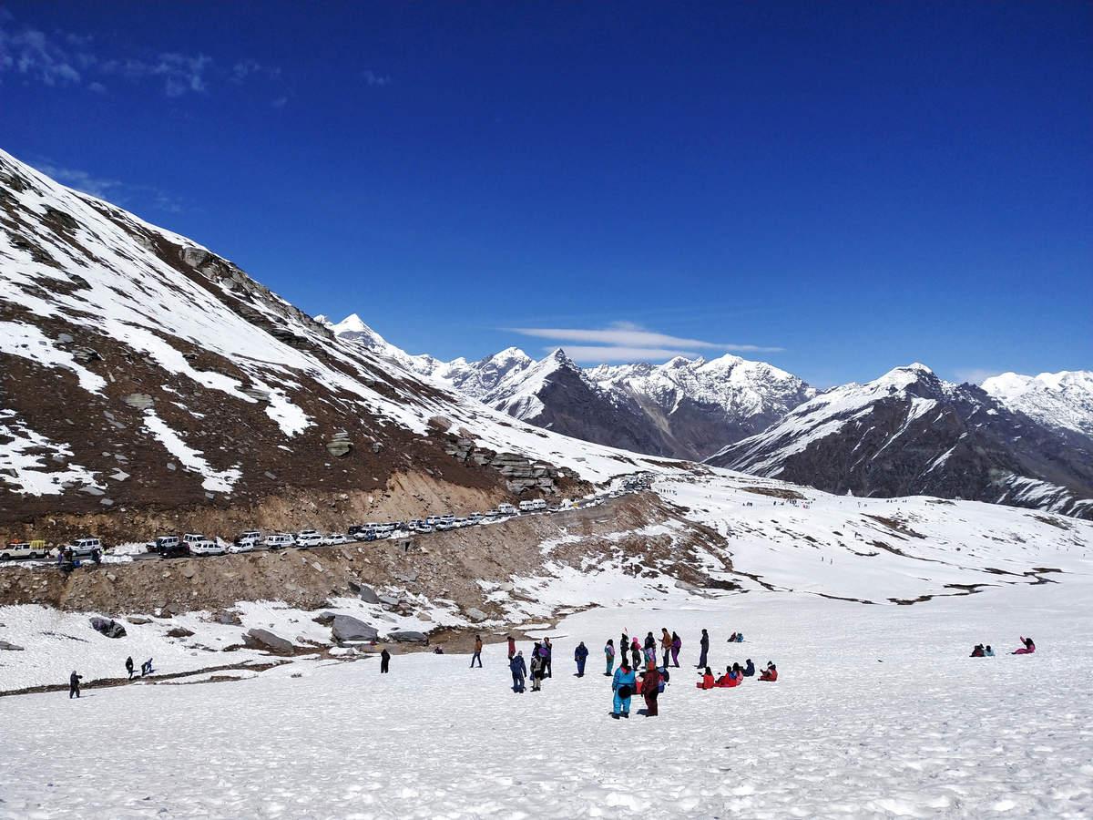 Himachal Pradesh to receive fresh snow, night curfew lowers hotel occupancy in Manali