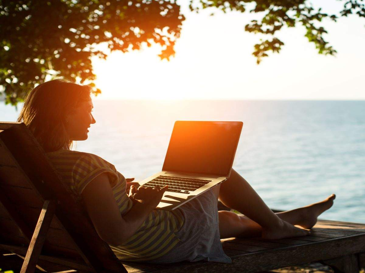 You can work remotely from Miami Beach in 2021! Know how