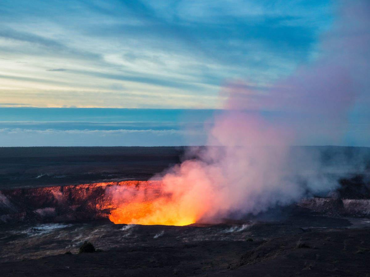 Hawaii's Kilaueau volcano erupts once again
