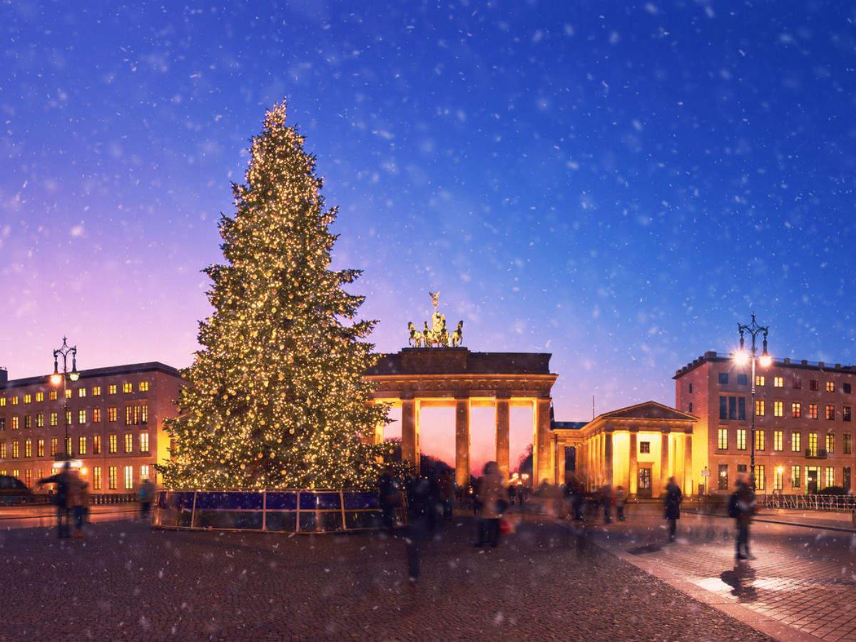 Berlin restaurant treats the homeless this Christmas