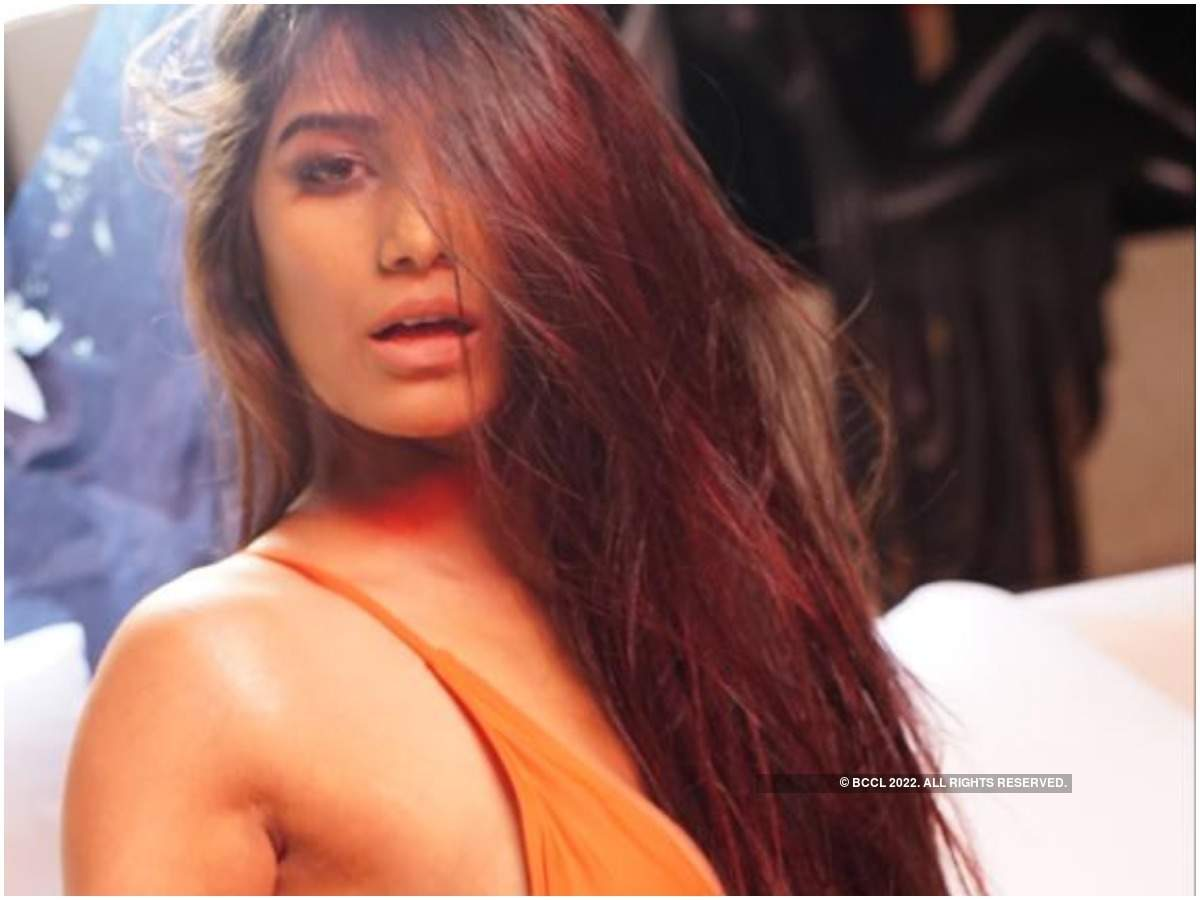 Poonam Pandey's Instagram account hacked - Times of India