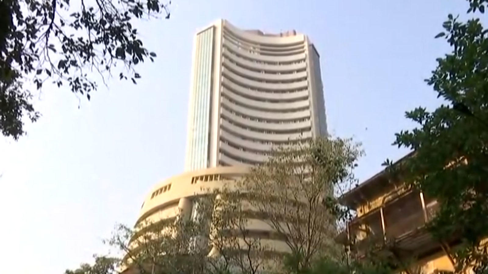 opening-session-equities-continue-upward-march-amid-positive-global-cues