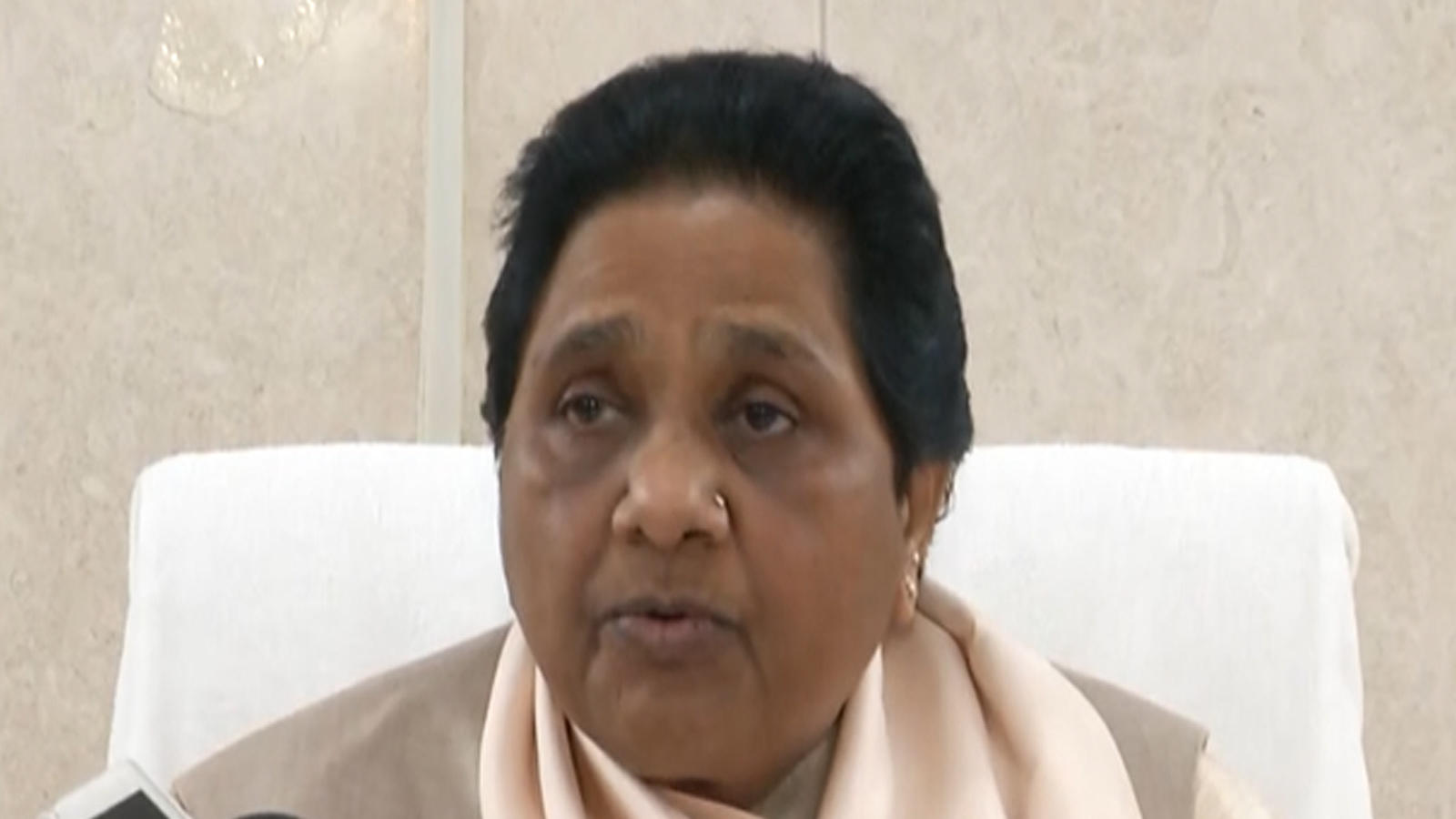 mayawati-urges-centre-to-accept-demands-of-farmers-agitating-in-delhi