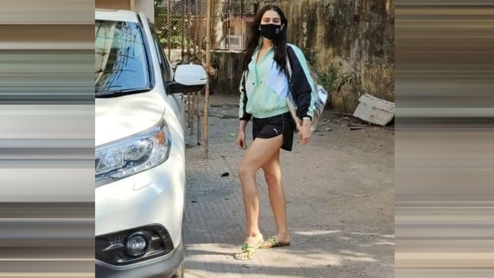 sara-ali-khan-was-seen-leaving-her-gym-class-in-mumbai