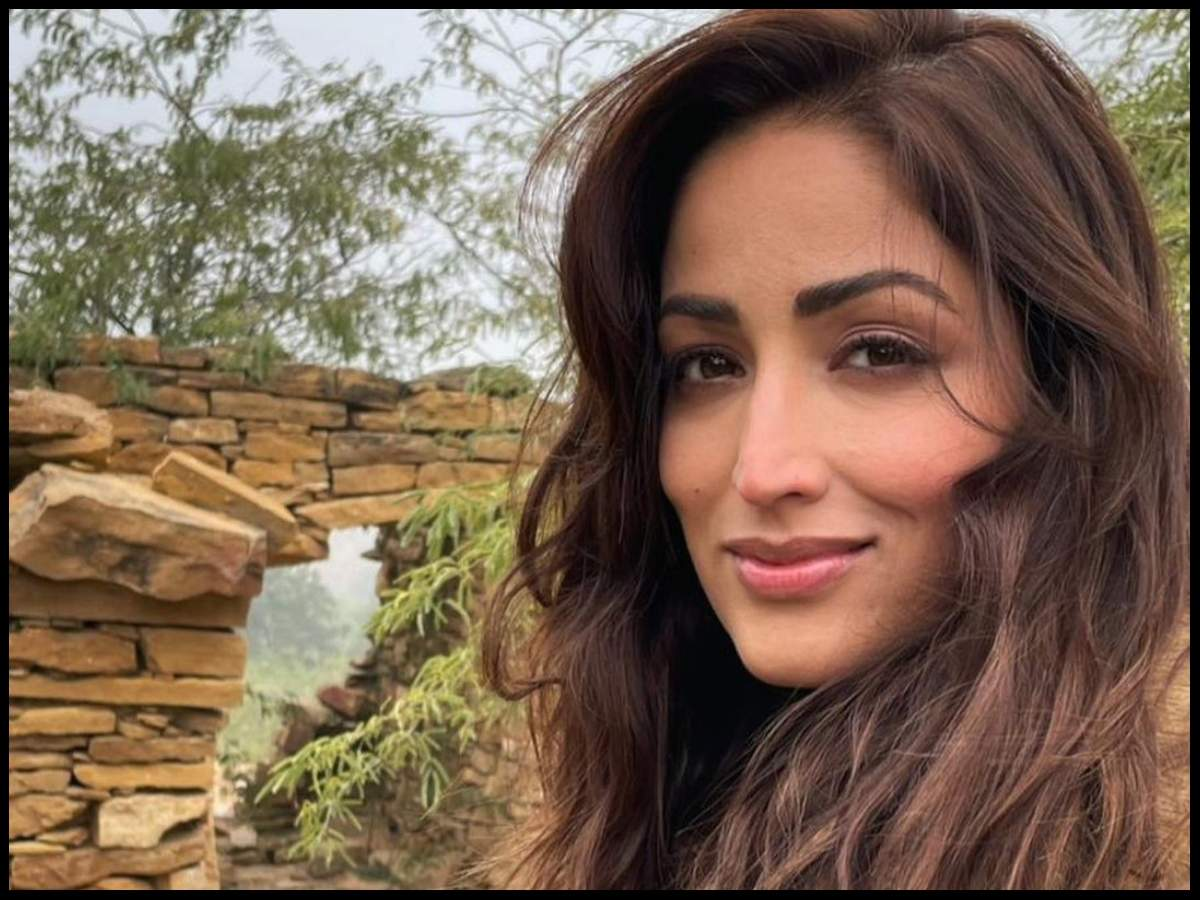 Yami Gautam recalls the beginning of her career while shooting for 'Bhoot  Police' in Jaisalmer; says 'this is where 11 years back I started my  journey as an actor'   Hindi Movie