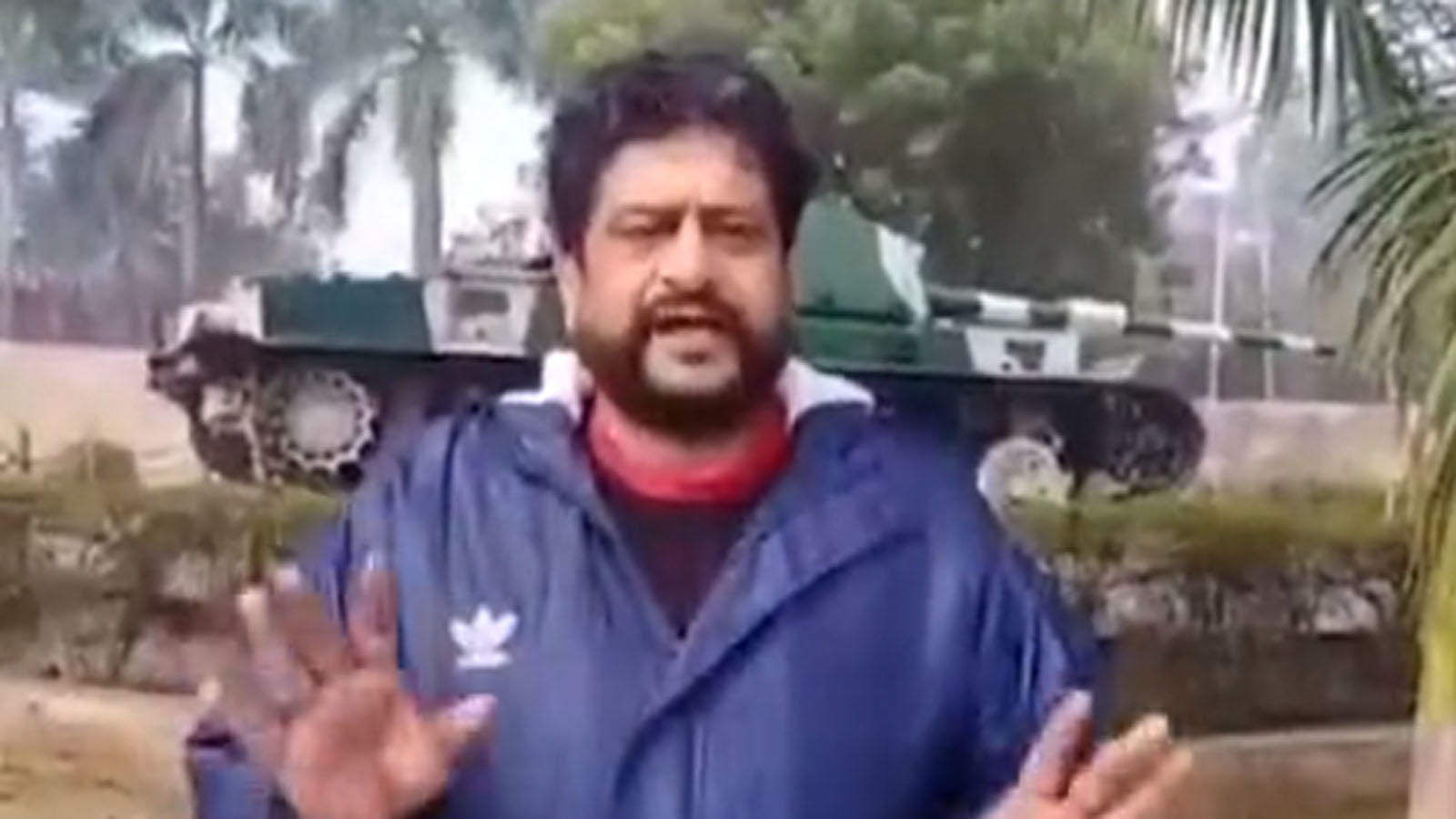kin-of-pulwama-martyrs-slam-republic-tvs-arnab-goswami
