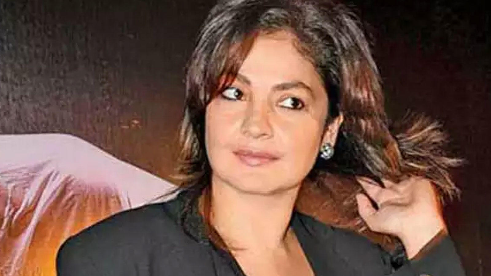 pooja-bhatt-has-this-advice-to-people-for-controlling-the-urge-to-drink-after-quitting-alcohol