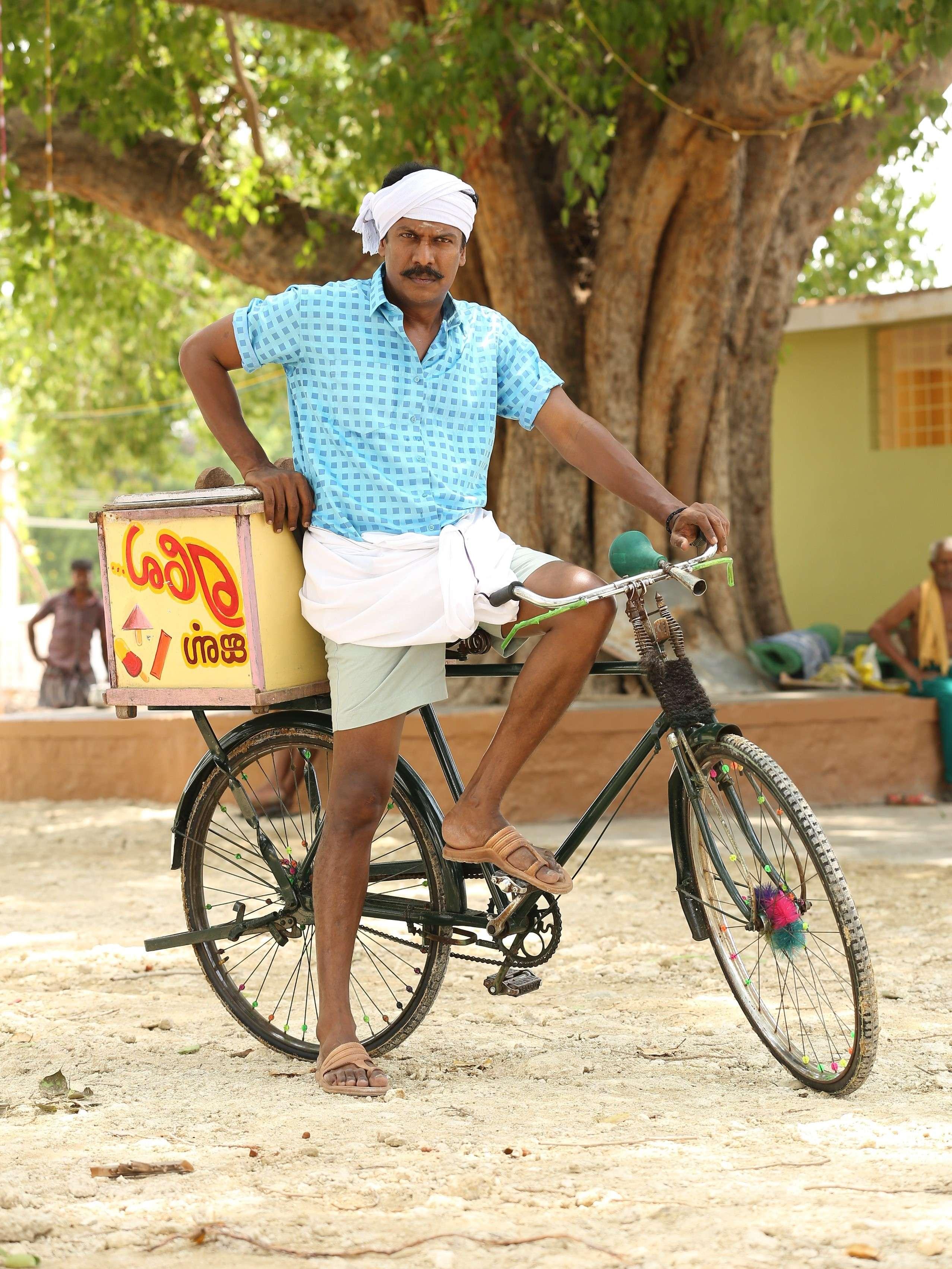 Samuthirakani Plays An Ice Cream Vendor In Aelay Tamil Movie News Times Of India