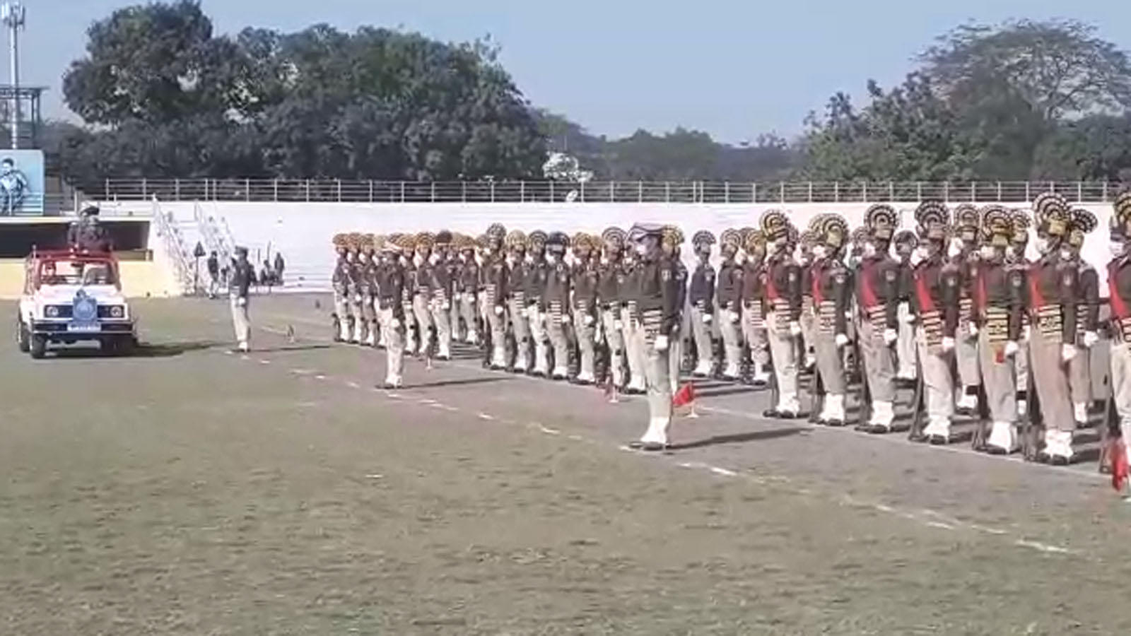 indore-police-personnel-participate-in-full-dress-rehearsal-ahead-of-republic-day