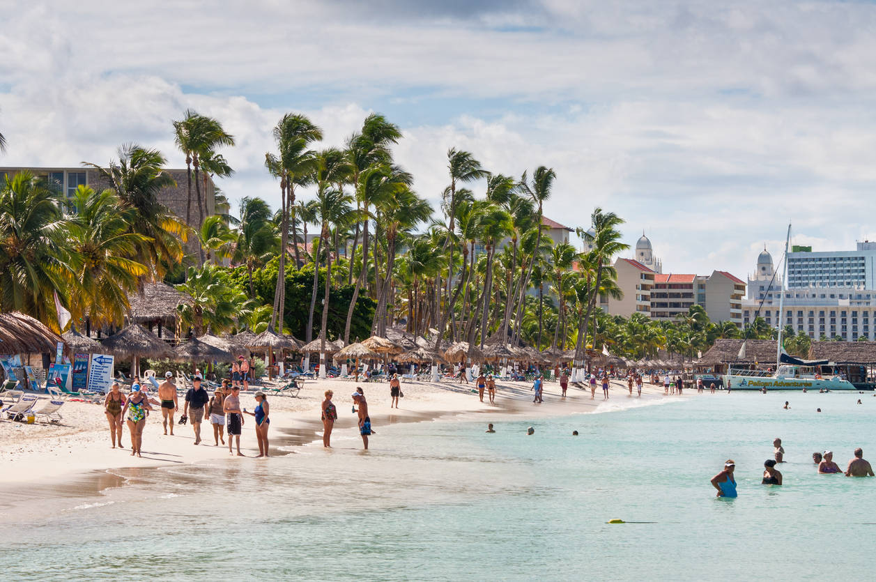 This Aruba hotel is inviting people to work-from-beach