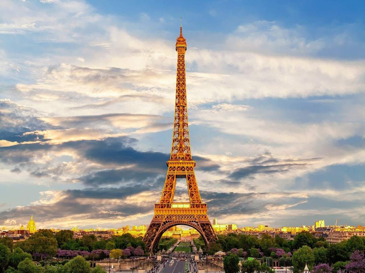 The Eiffel Tower to an amazing golden makeover ahead of 2024 Olympics