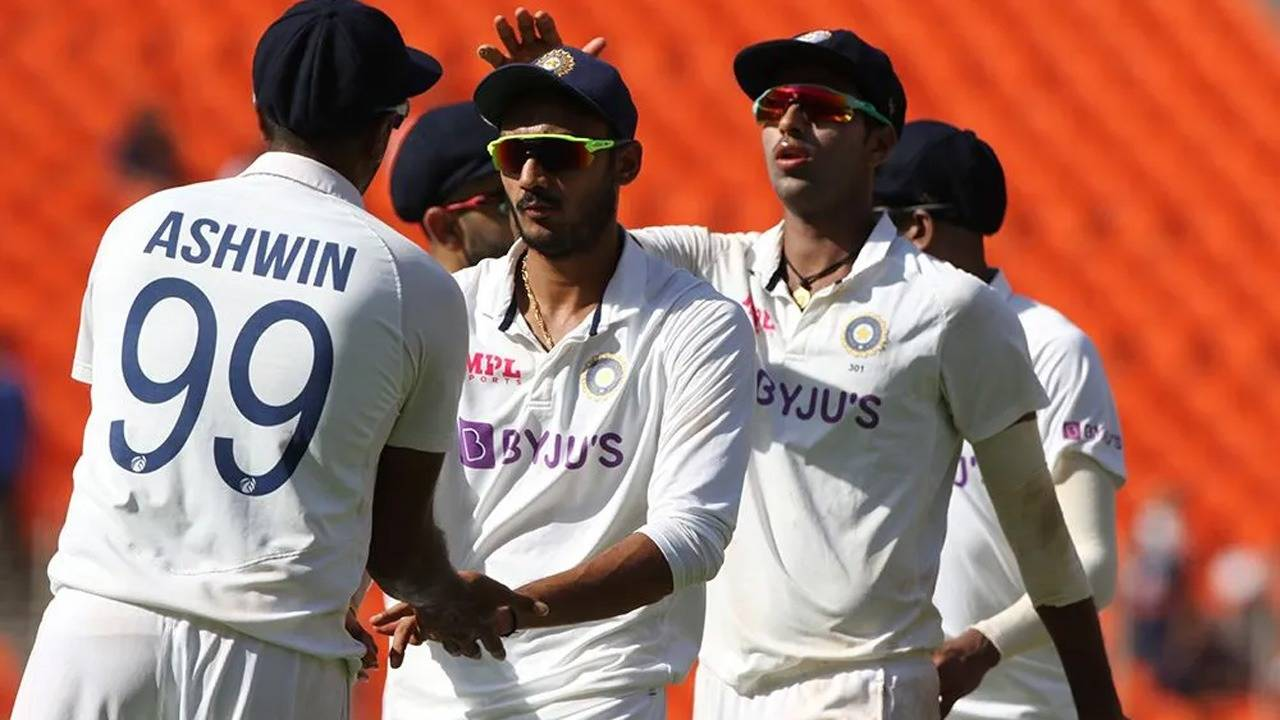 4th-test-ashwin-axar-bundle-out-england-for-205-as-india-take-control-on-day-1