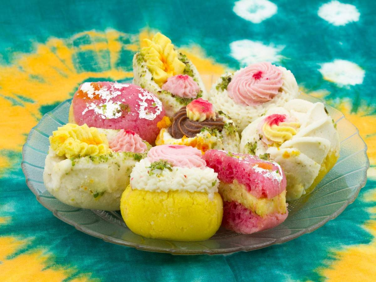 Must-try Bengali sweets for your next trip to West Bengal