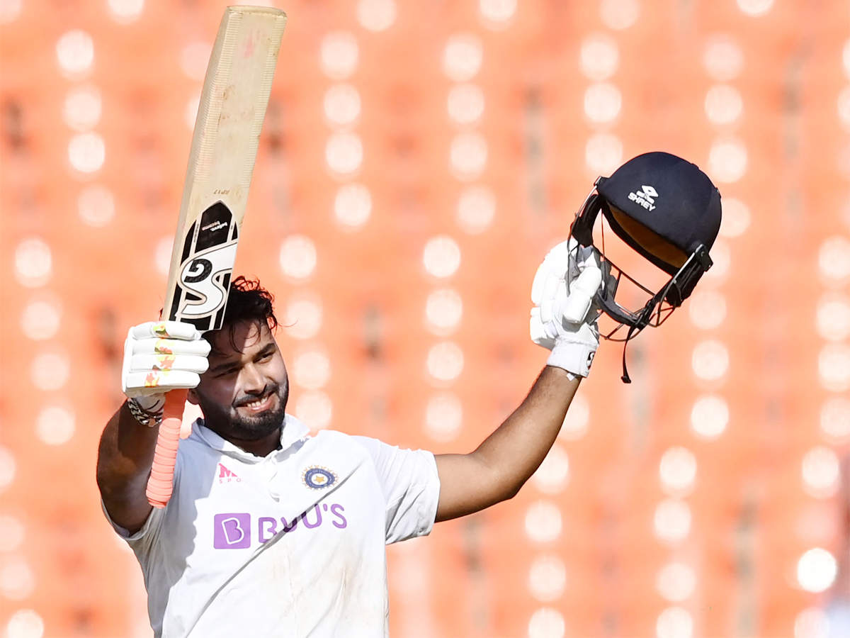 4th Test Live: India eye sizeable first innings lead on Day 2