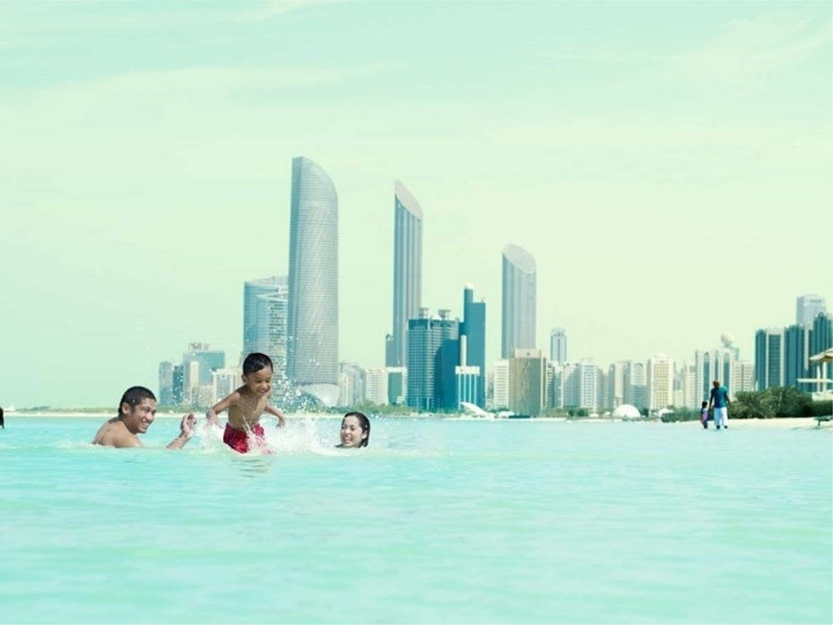 Explore Abu Dhabi for free with our tight-budget itinerary!