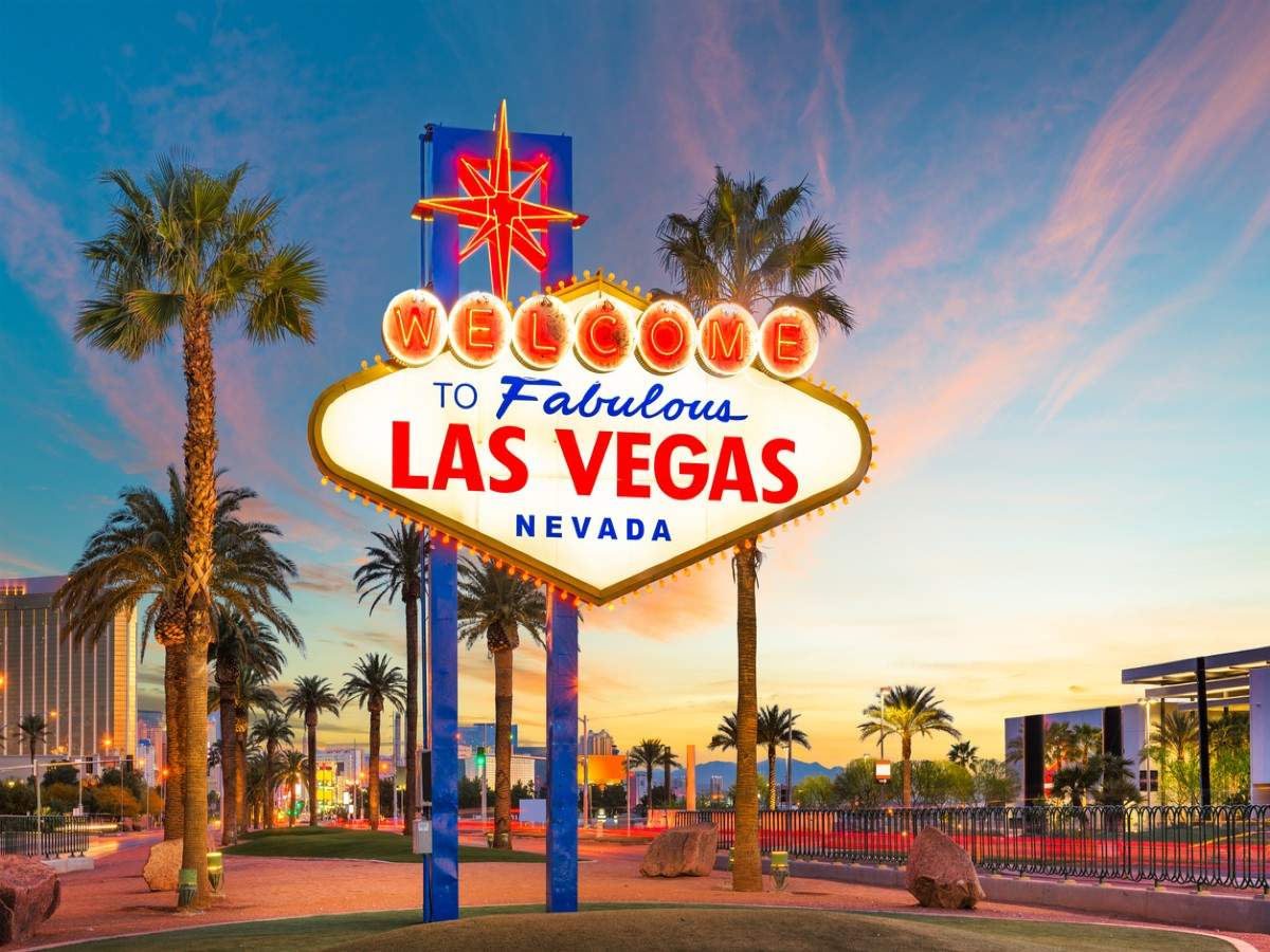 Las Vegas resorts and casinos are now operating 24/7