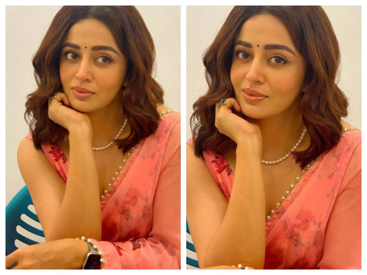 Nehha Pendse looks drop dead gorgeous in THIS floral pink saree ...