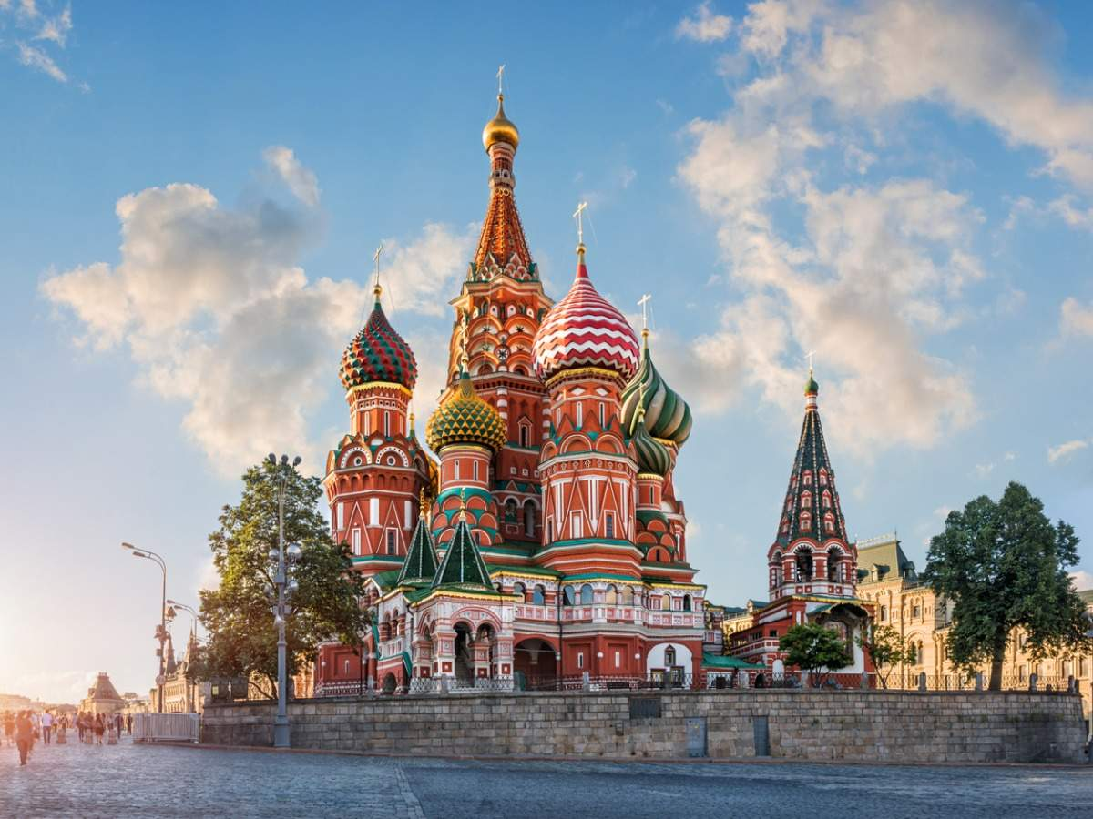 COVID-19 vaccination tourism could become a reality in Russia