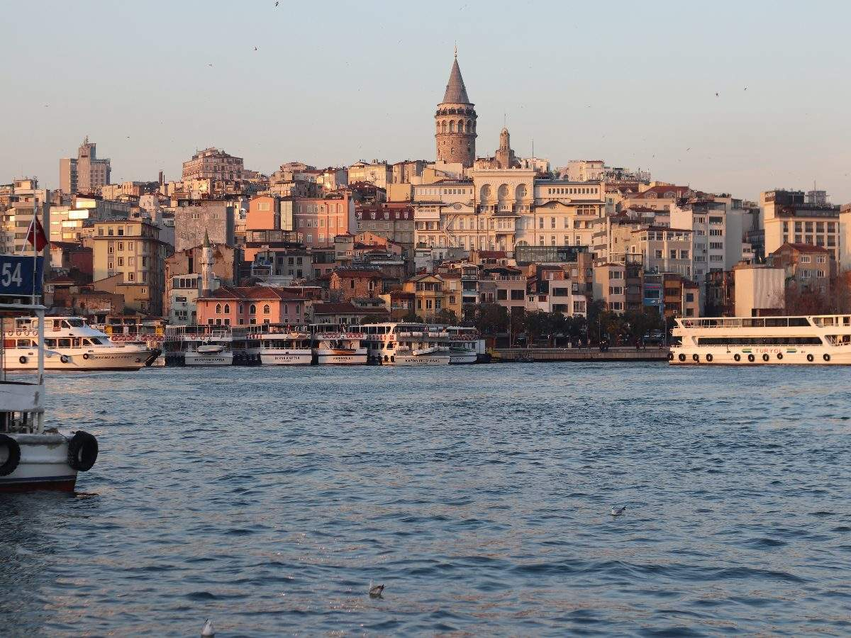 Turkey is carrying out vaccination of its tourism employees