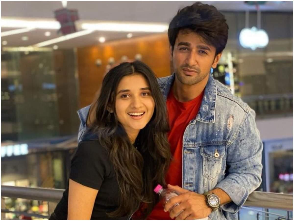 Nishant Malkani with Kanika Mann, Actress (rumoured)