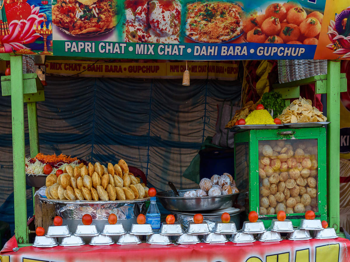 Mouth-watering, unique snacks to try in Delhi and Kolkata