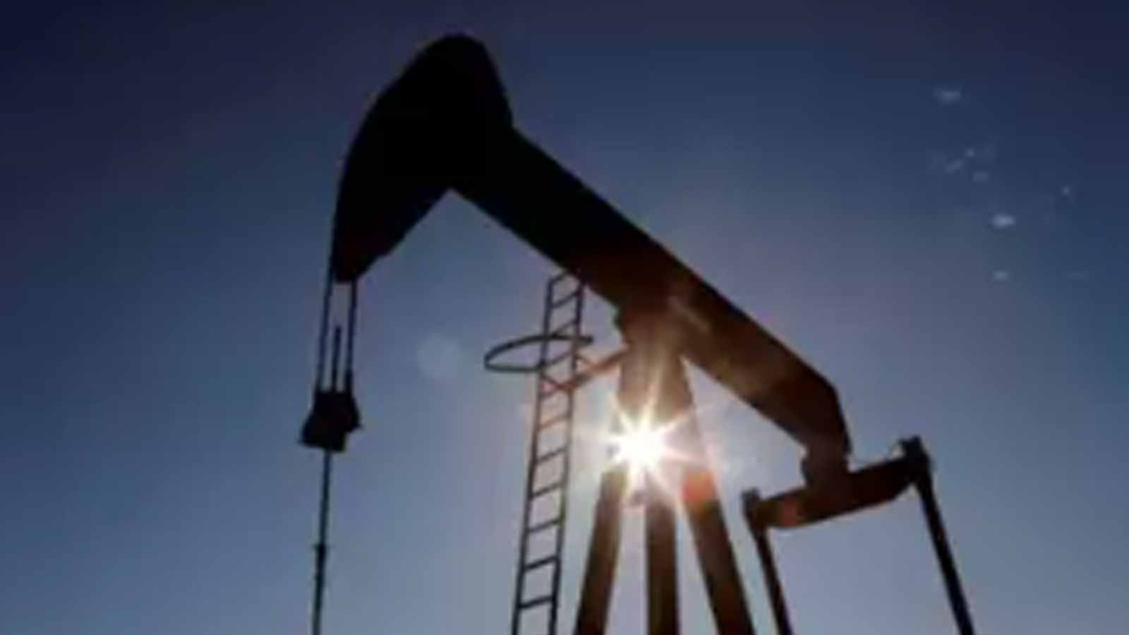 oil-falls-for-second-day-as-indias-covid-19-surge-to-dent-fuel-demand