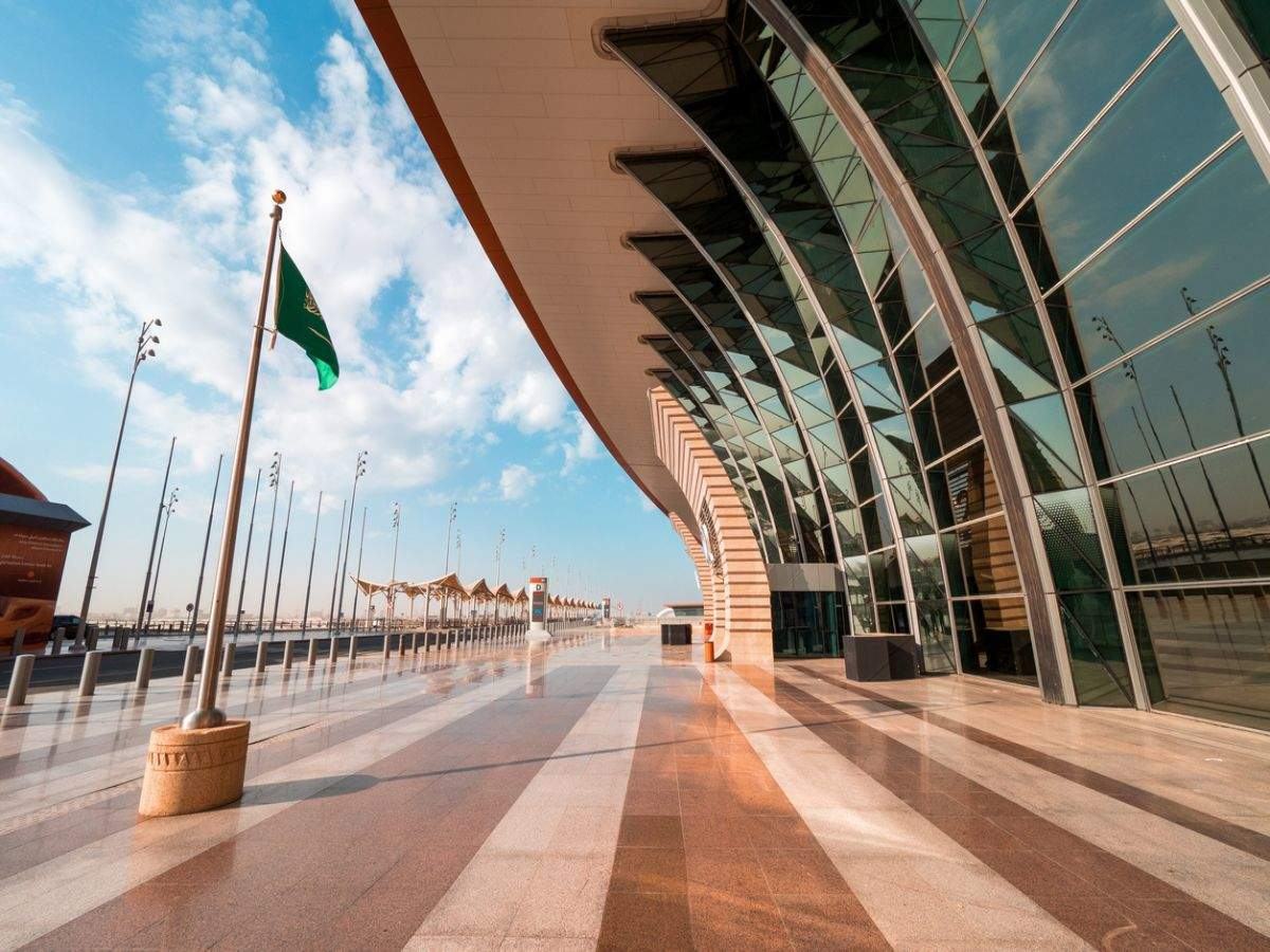 Saudi Arabia wants foreign travellers to quarantine for seven days upon arrival